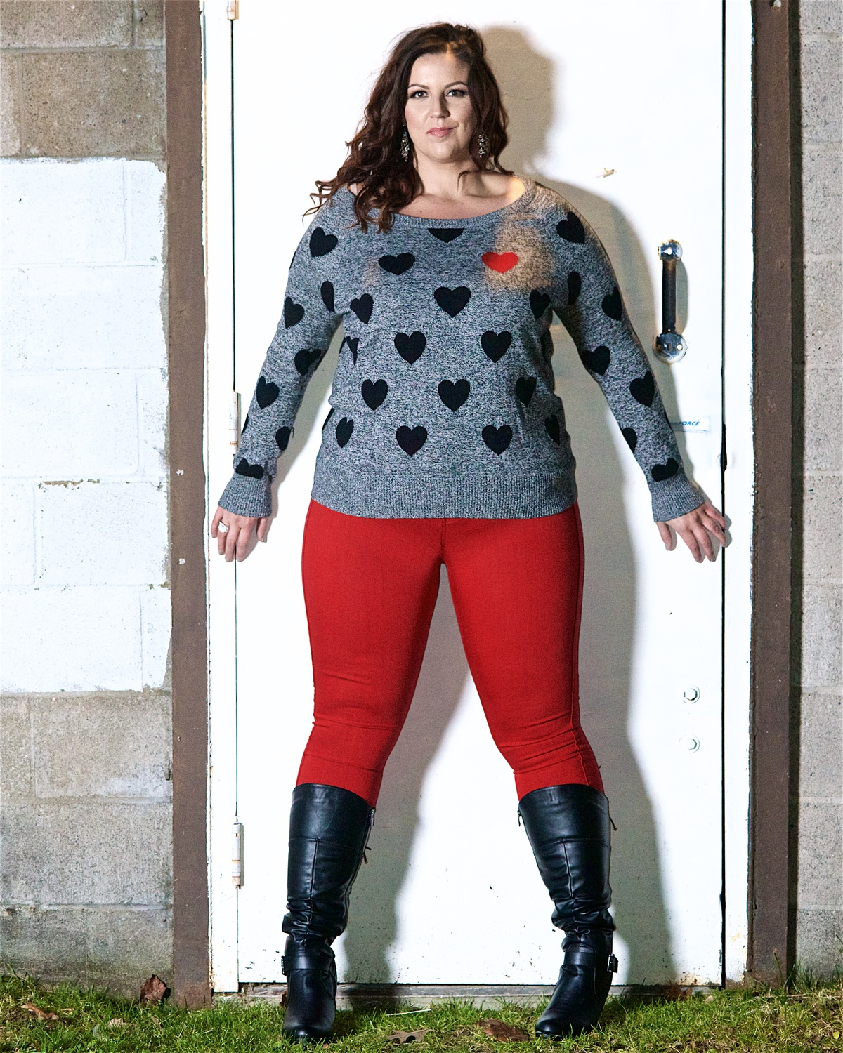 sarah_talor_plus_size_fashion_plus_size_blogger_torrid_plus_size_sweater_hearts_stars_miss_plus_canada_plus_size_model_3