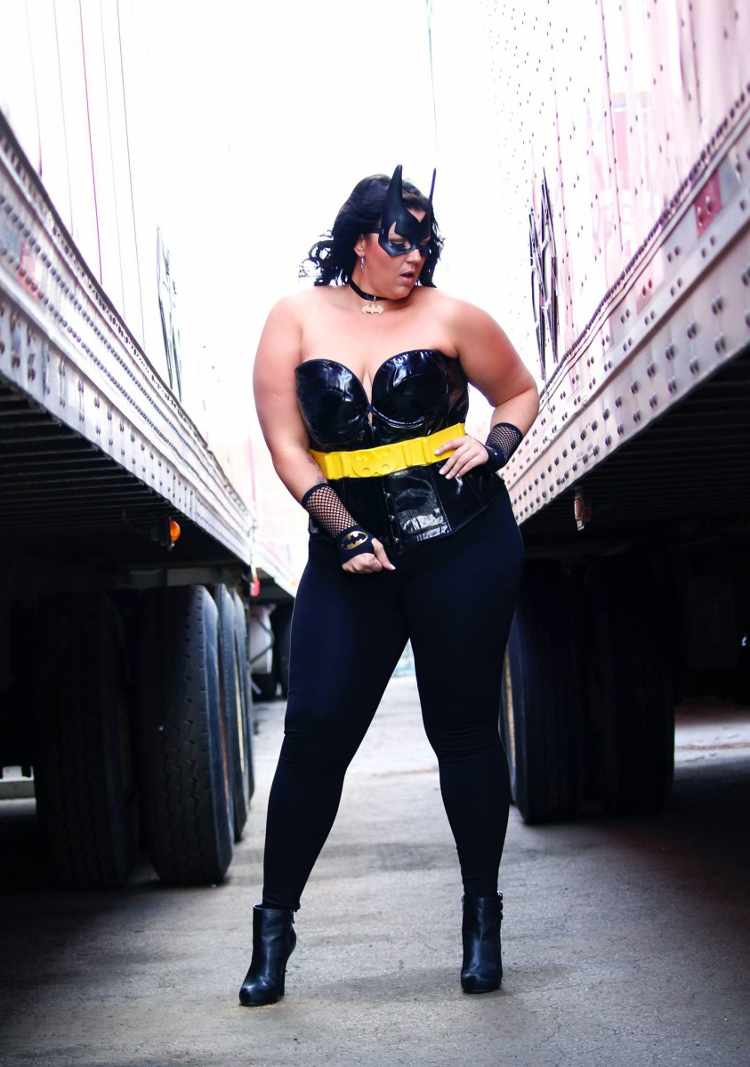sarah-taylor_bat-girl-2